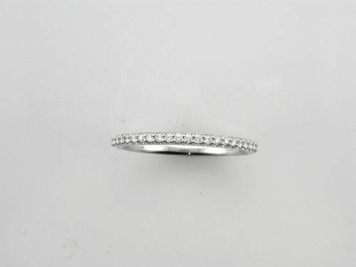 18K White gold band style ring