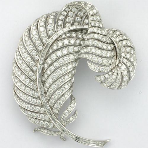 18k white gold brooch