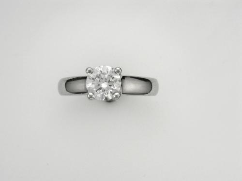 Platinum Solitaire Style Ring