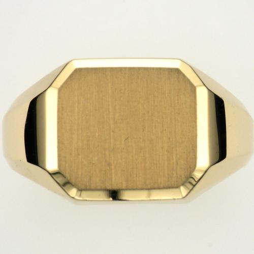Gent's 18k yellow gold rectangular top signet style ring with beveled tapered shank and a high polis